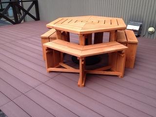 屋外用ウッドテーブル