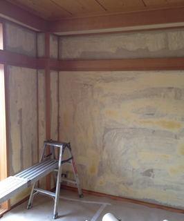 室内壁にパテとシーラー下地施工