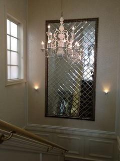ショップの階段の踊り場装飾 施工後