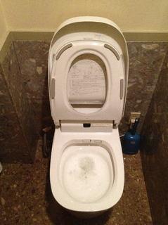四角い洋式トイレ